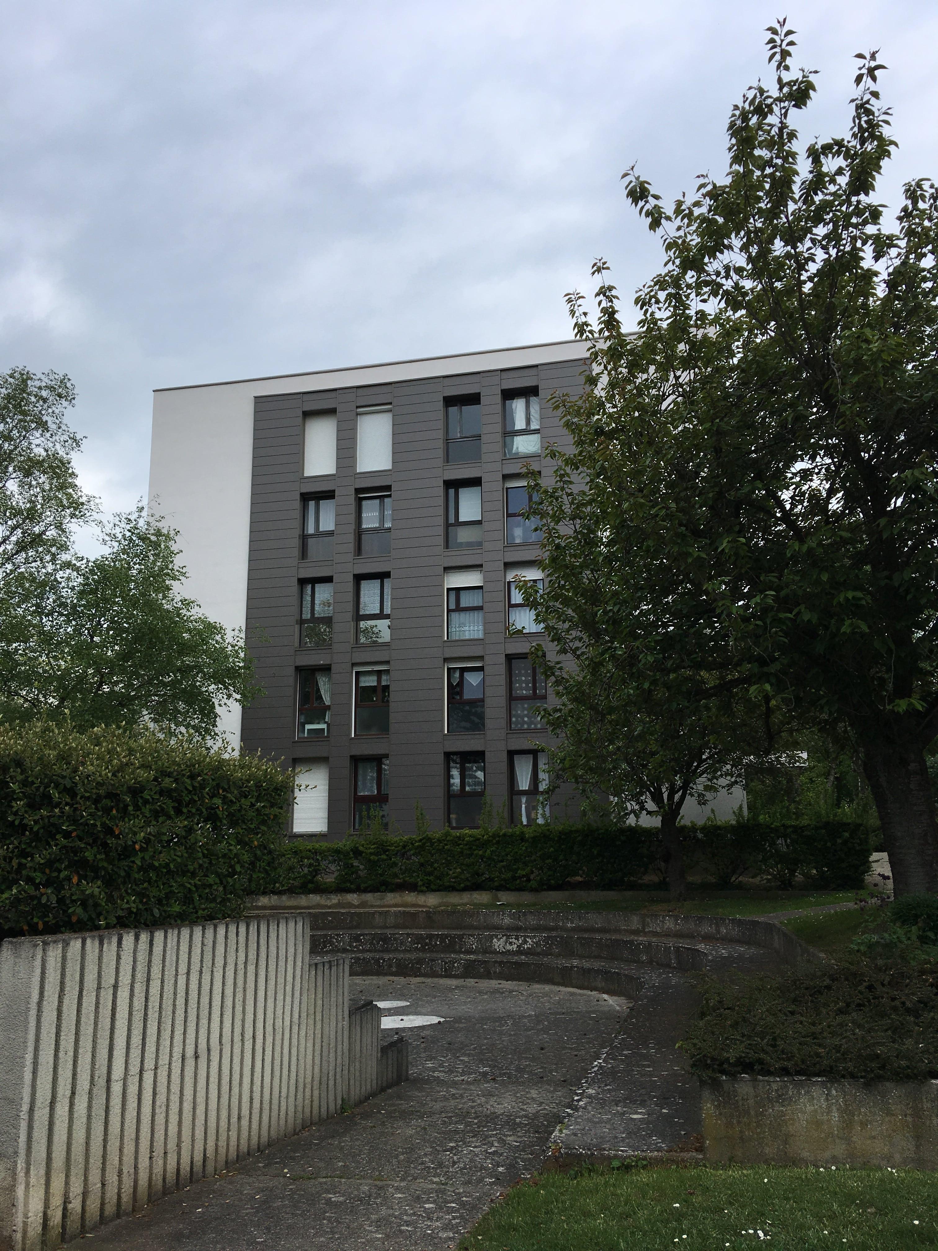 Un Gardien de copropriété rassuré ! - Hauts-de-France Pass Rénovation